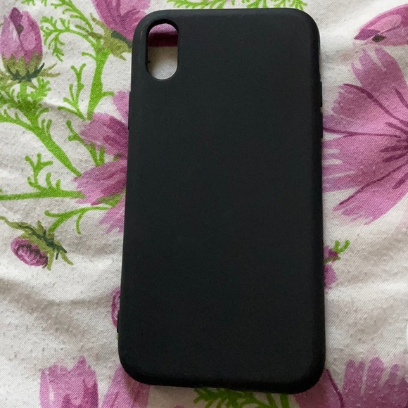 A black phone case for iPhone XR.